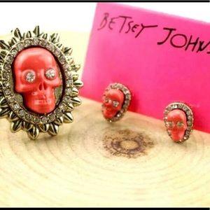 NWT BETSEY JOHNSON ROSE SKULL EARRINGS & RING SET